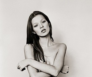 Kate Moss - The Lost Polaroids and Contacts 3D Exhibition